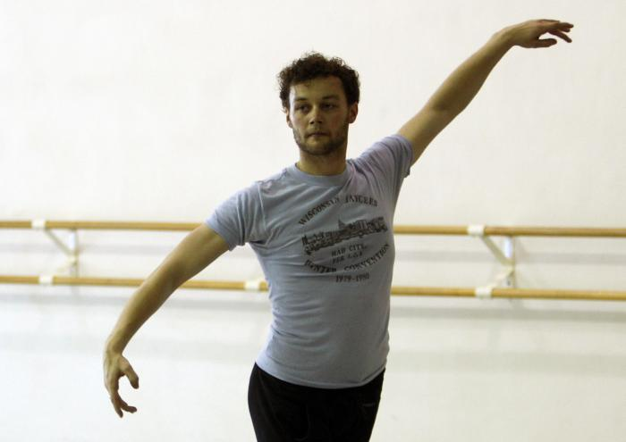In this Tuesday, Aug. 14, 2012 file photo, Royal Ballet choreographer Liam Scarlett works with Miami City Ballet dancers in Miami Beach, Fla.