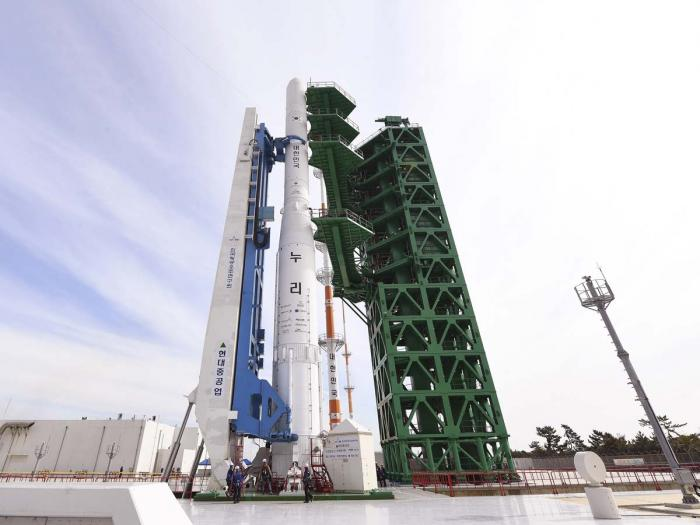 S Korea Test Launches 1st Domestically Made Space Rocket