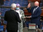 Krysten Sinema in Purple Wig Steals Show at Senate Swearing-In