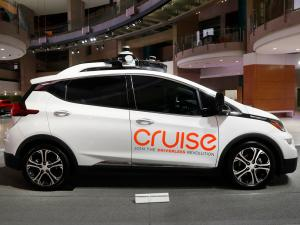 GM Teams Up with Microsoft on Driverless Cars