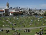 Virus Cases Plunge and L.A., San Francisco Come Back to Life