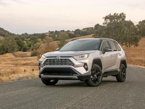 Edmunds: The Five Best Hybrid SUVs You Can Buy